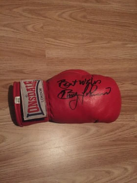 Benny Johnson glove
