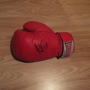 Ohara Davies glove